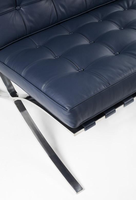 Barcelona chair blue 02