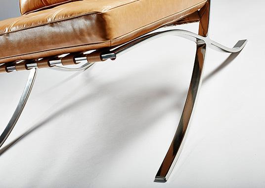 Barcelona chair tan05