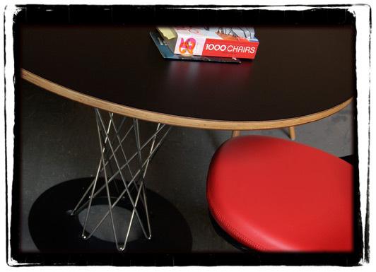Dining noguchi table