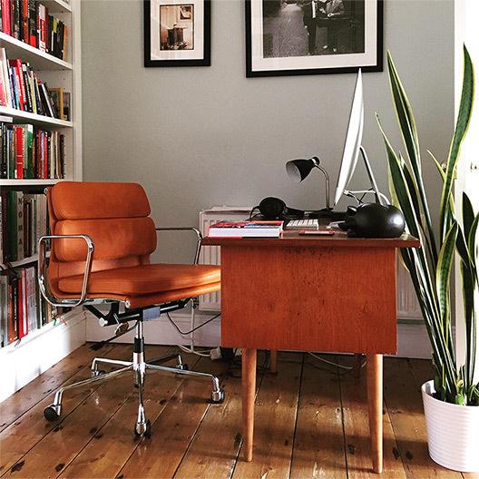 Ea217 office chair