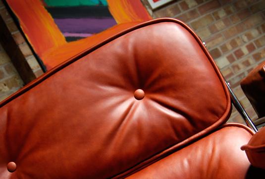 Eames lobby chair 002