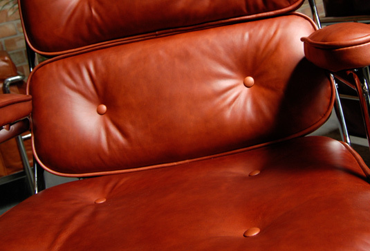 Eames lobby chair 004