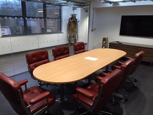 Eames lobby chair 03