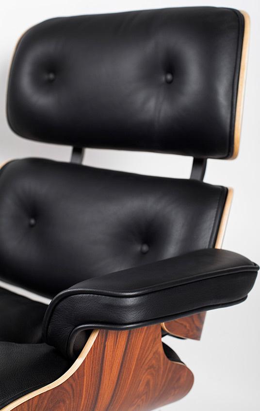 Eames lounger 02