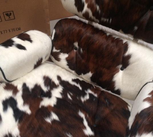 Eames lounger pony skin02
