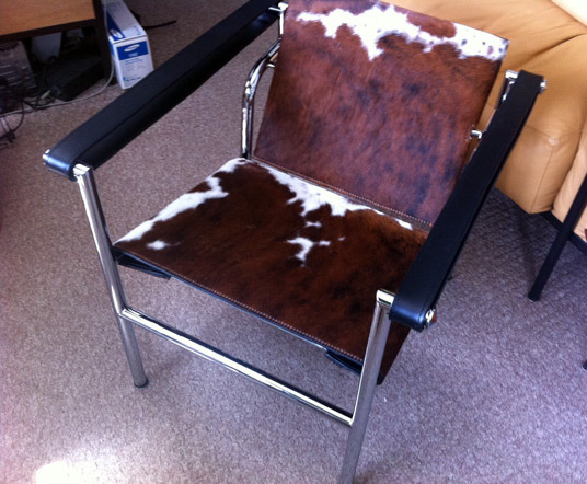 Lc1 sling chair corbusier