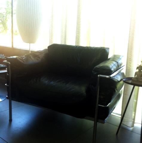 Lc3 arm chair 01