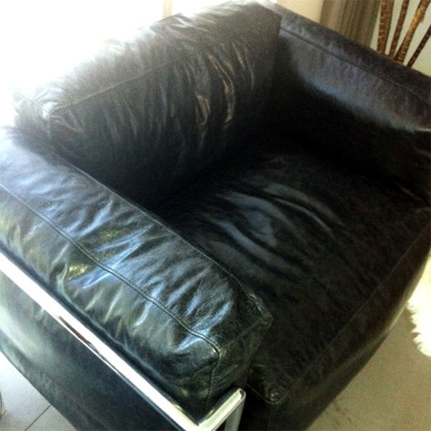 Lc3 arm chair 02