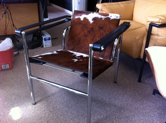 Sling chair lc1 corbusier