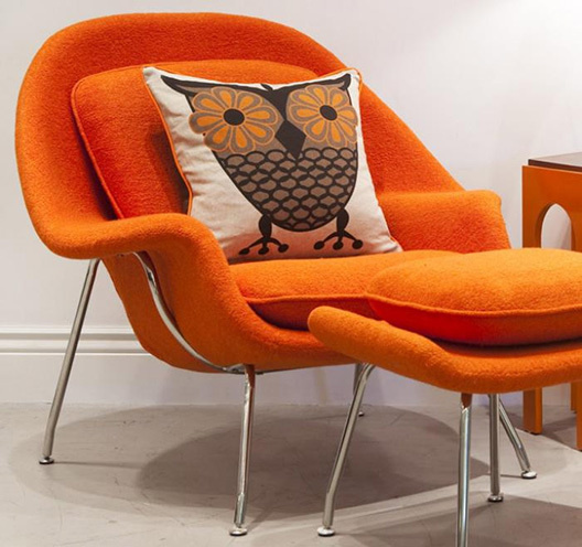 Womb orange chair