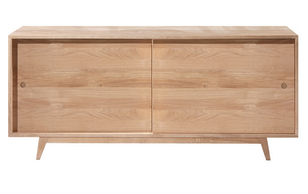 Photograph of Oak sideboard from Wewood